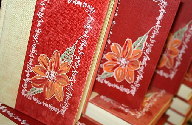 hand-painted-book-wedding-invitations
