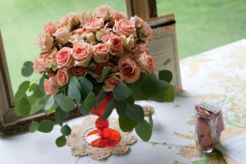 vintage-decor-wedding-renewal-bouquet