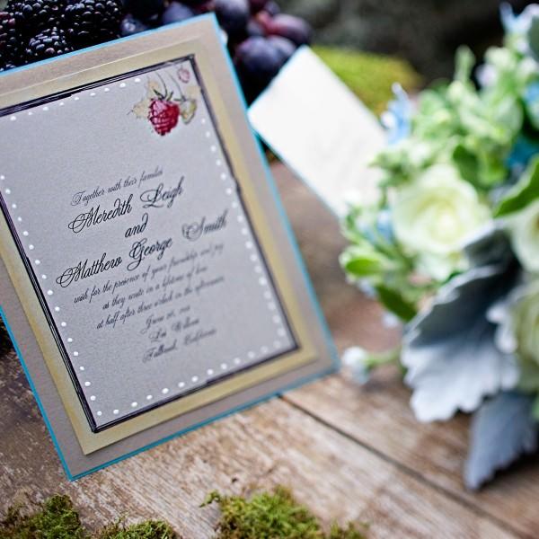 greenn-garden-raspberry-gold-wedding-invitation