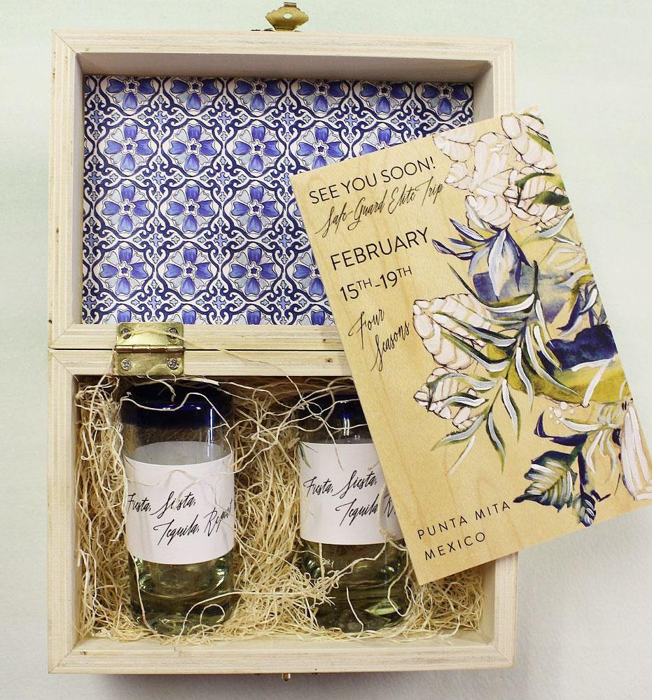 tile-pattern-wedding-invitations