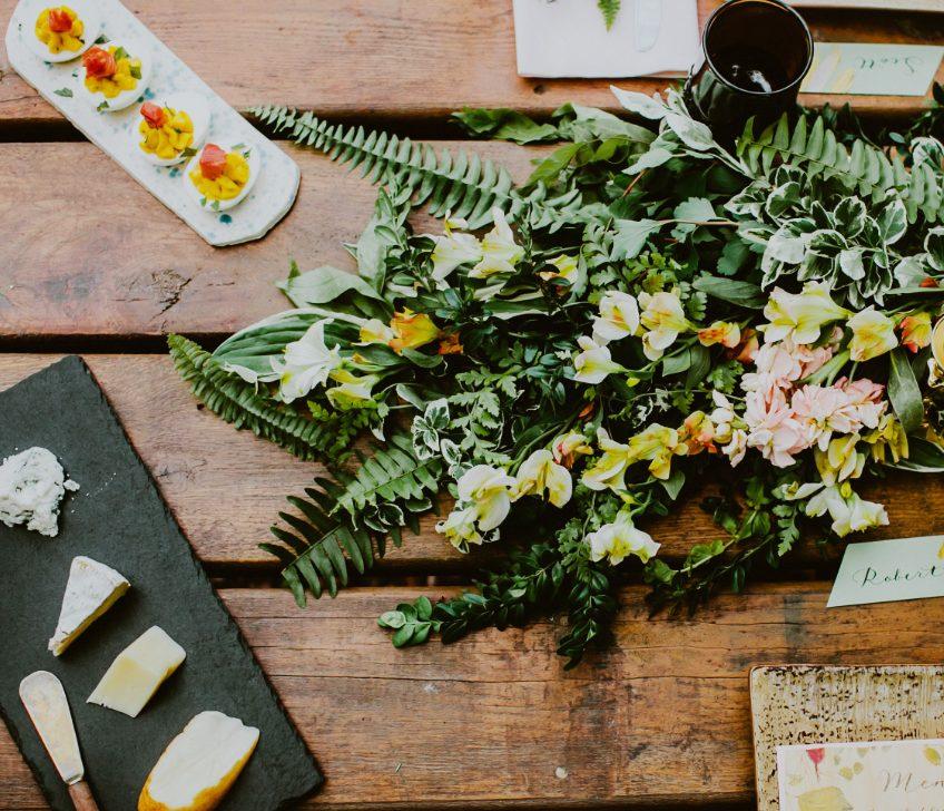 rustic-farm-wedding-reception